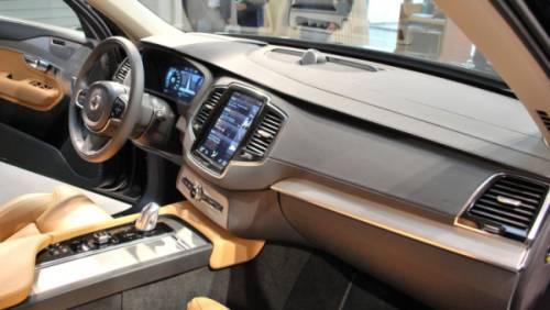 2015 Volvo XC90 салон