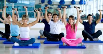 групповые занятия в фитнес-клубе