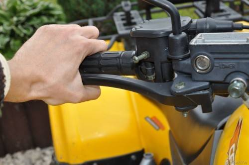 Как прокачать тормоза на квадроцикле Стелс 600