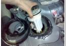 Как заменить топливный фильтр Тойота Королла 150 кузов