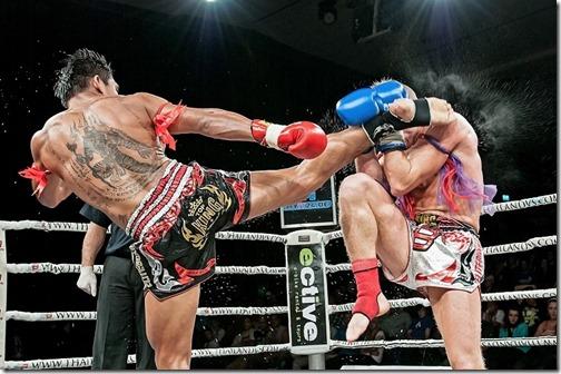 Бой тайских боксеров