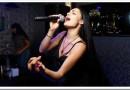 Что современное спеть девушке в караоке?