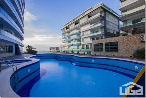 Трехкомнатная квартира с видом на море в Каргыджаке