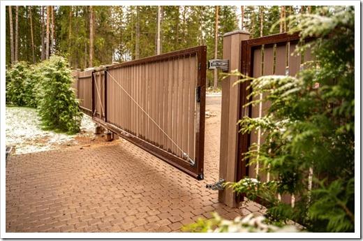 Консольные откатные ворота – идеальный вариант по совокупным параметрам